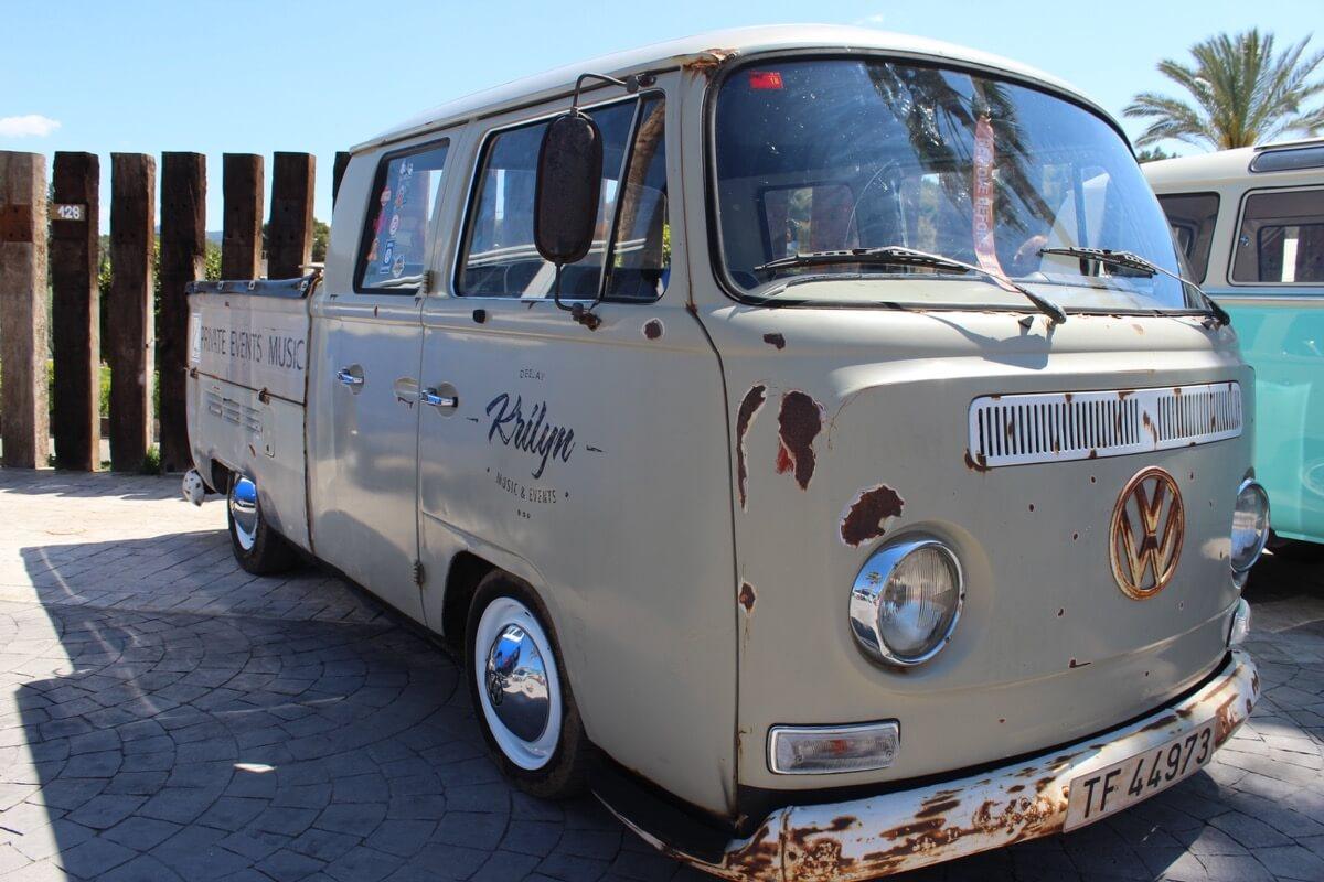 Furgo Volkswagen T2 pick-up Rin Ran Market